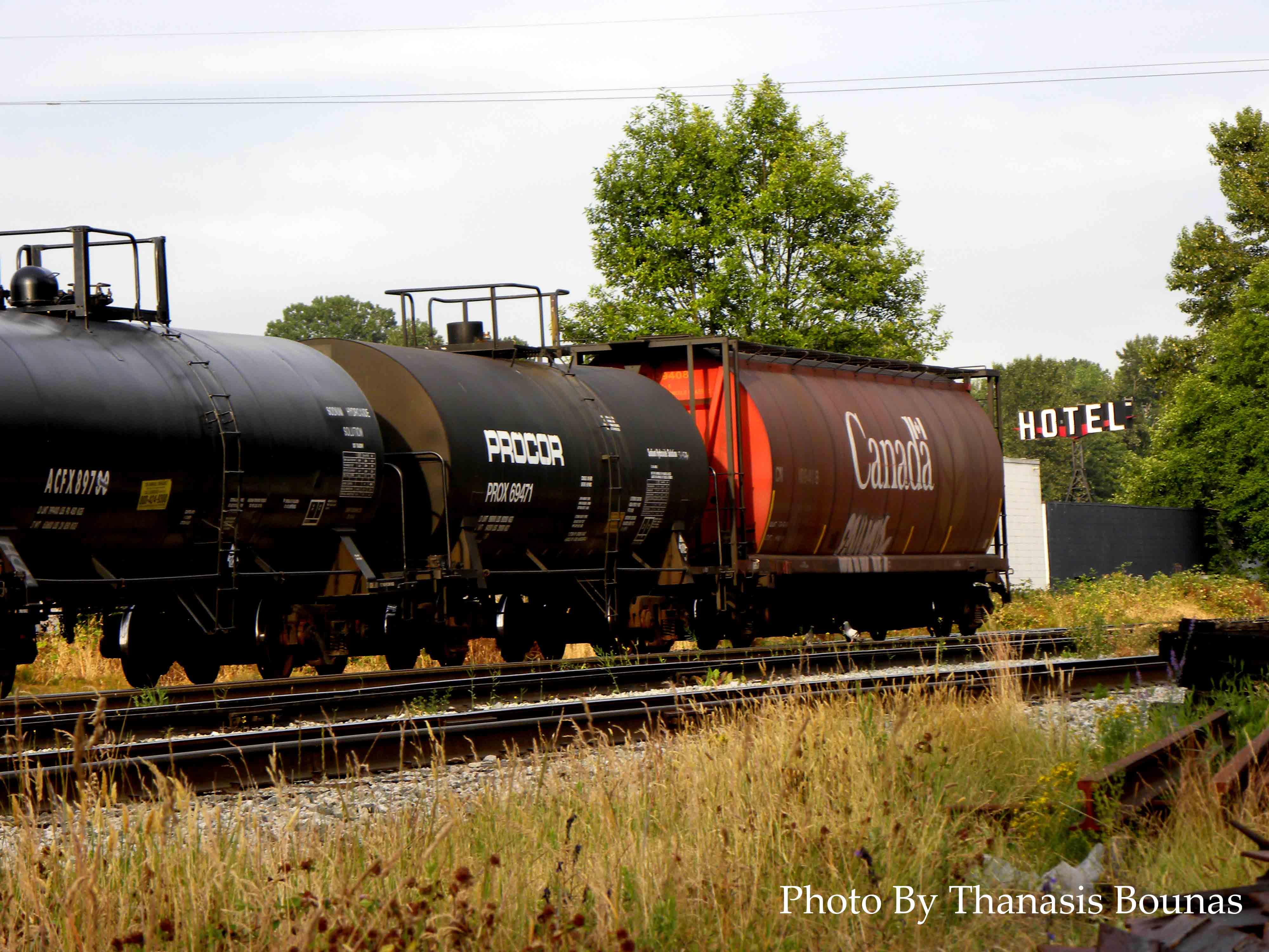 5 Trains Beautiful British Columbia Photo By Thanasis Bounas