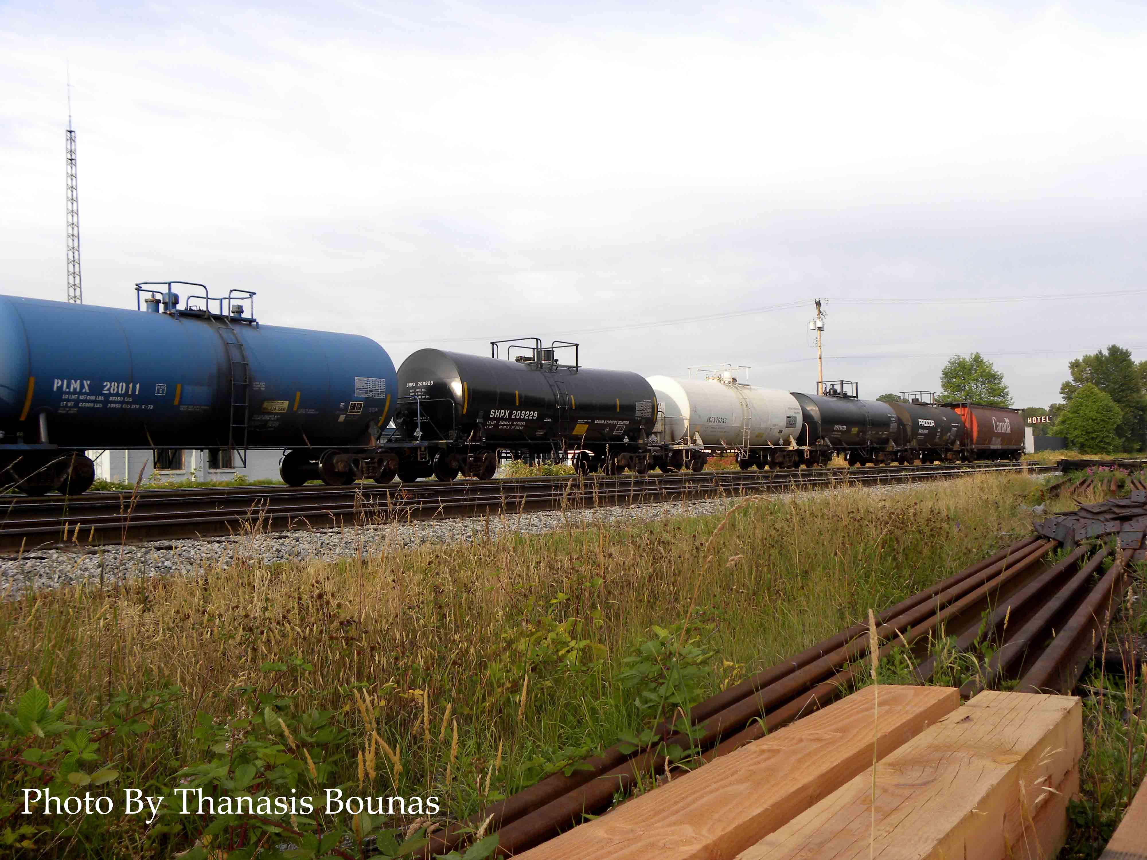 6 Trains Beautiful British Columbia Photo By Thanasis Bounas